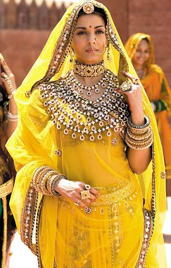 Aishwarya Rai in Jodhaa Akbar Another beautiful Rajasthani Style Polki
