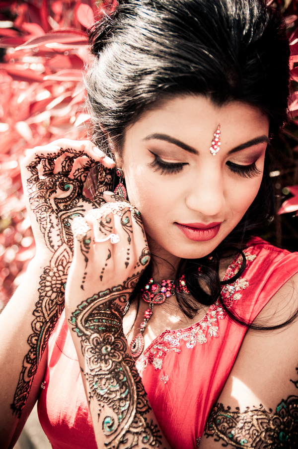 Bridal Mehndi Photo Shoot : � marigold events