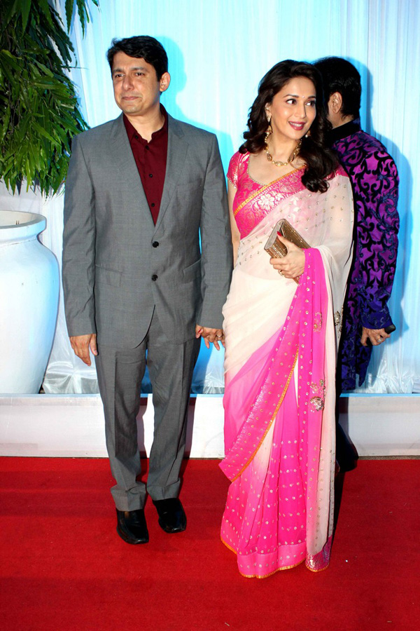 "Star Studded Reception of Esha and Bharat "" Marigold Events - Indian Wedding Inspirations, Wedding Lenghas, Invitations, Cake, D"